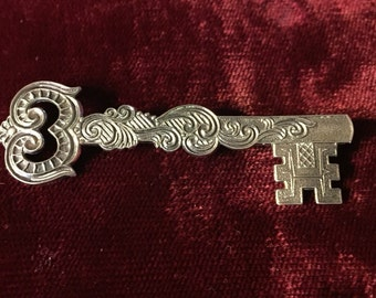 Vintage P&B Sterling Silver Skeleton Key pin