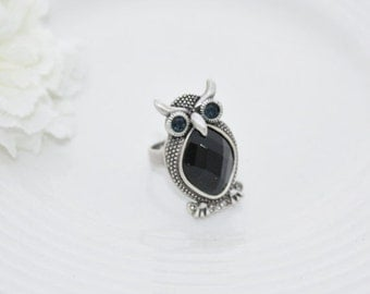 On Sale NEW Woman's black owl with dark blue eyes adjustable ring