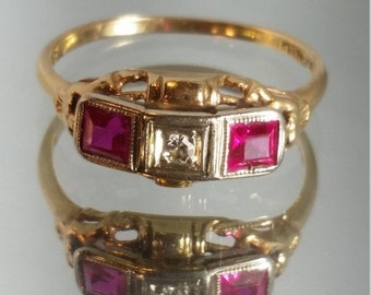 ON SALE 14K Solid Yellow Gold Diamond and Ruby Art Deco Filigree Ring Vintage
