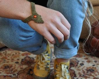 Macramé with wooden Bead Bracelet