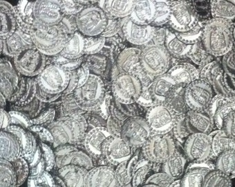 100 Metal Coins Silver and Gold ( professional decoration coins).