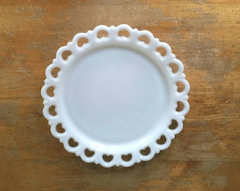 Anchor Hocking Milk Glass Old Colony Open Lace Edge Cake Plate Serving Plate Platter 1950s