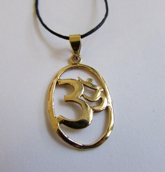 Oval Om Ohm Aum brass pendant On Wax Cord Yoga Jewellery Adjustable Unisex Free UK Shipping + Gift Bag CH3