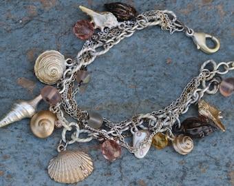 Boho bracelet,Charm Bracelet,Seashell bracelet,Unique design,Summer jewelry,Jewlery for her,Woman gift,Bracelet,Bohemian,Hippie style