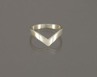 Classic wishbone ring, hand-made to your size in solid 925 Sterling Silver