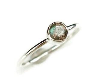 Labradorite Stacking Ring, Labradorite Ring, Simple Gemstone Ring, Gemstone Stacking Rings, Dainty Rings, Mistry Gems, R21L