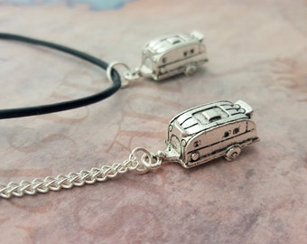 Caravan Necklace, Trailer Necklace, Camping Jewelry, Camp Jewelry, Travel Gift, Family Vacation Gift, Camper Necklace, Happy Camper Gift