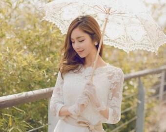 April - Vintage Modest Elbow Length Sleeves Lace Organza Wedding Dress