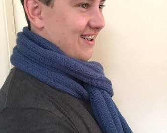 Knit scarf. Mens knit scarf.  Ladies knit scarf. Hand knit scarf. Navy coloured knit scarf. Gift for her. Gift for him. Knitted scarf.
