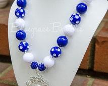 University of Kentucky Wildcats UK Inspired Chunky Bubblegum Bead Necklace with Large Rhinestone Paw Pendant, UK Necklace, UK Jewelry