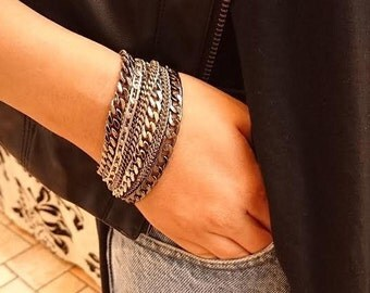 Bracelet with lots of different types of chains