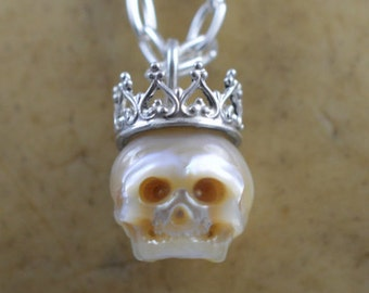 Carved Full Skull Pearl Wearing Sterling Silver Crown - Gift - Gift For Her - Gift For Him - Skull Jewelry - Pearl Skull - June Birthstone