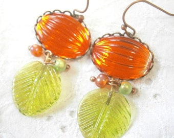 Glass leaf boho earrings, floral earrings orange green, bohemian style earrings vintage leaf, earrings glass vintage,green orange glass leaf