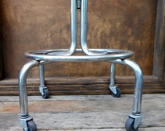 Metal Base, Vintage Metal Rolling Stand or Chair Base, Metal Pedestal Table with Casters