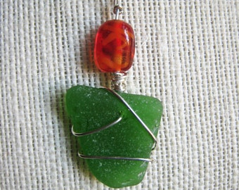 Gorgeous Kelly Green Sea Glass Necklace/Pendant/Sterling Wire/Jewelry/Artsy Urban Boho/Maine/Sea Swag
