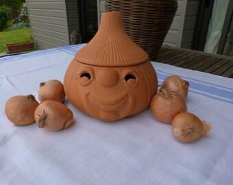French terracotta onion pot. A French onion storage jar.