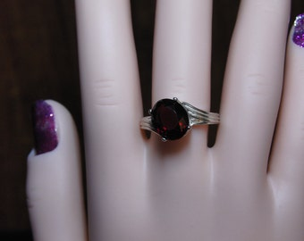 Gorgeous Red Garnet solitaire Ring