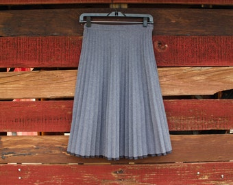Vintage Classic 1970s Grey Blue High Waist Pleated Skirt with Black Trim
