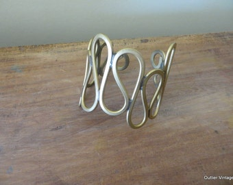 Martha Sturdy Vintage Signed Canadian Mid Century Handmade Looped Brass Cuff 1970s