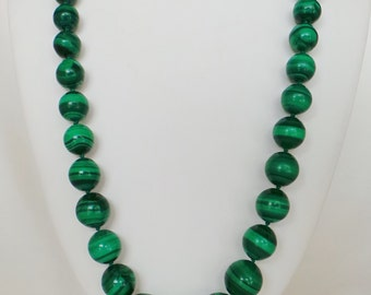 Malachite Bead Necklace mounted fall individual nodes between each bead