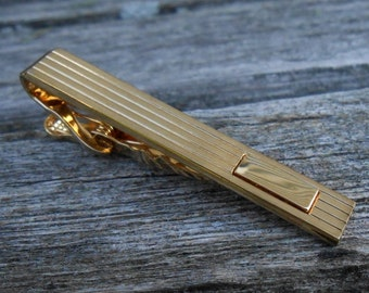 Vintage Gold Tie Clip. 1970s. Gift for Dads, Grads, Groomsmen, Husbands, Sons, Brothers.