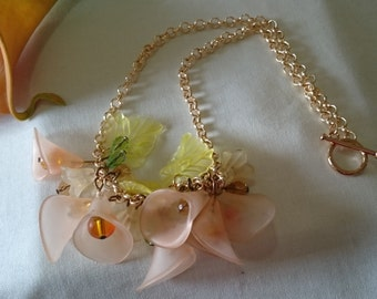 Creamy Calla - Flower Necklace