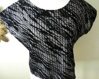 Silver & Black appliqué capped sleeve vintage 1980's top
