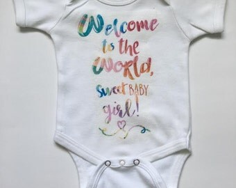 Baby Bodysuit, Baby Coming Home OUtfit, Welcome baby girl onesie, baby girl onesie, infant clothing, maxandmaekids, Max and Mae