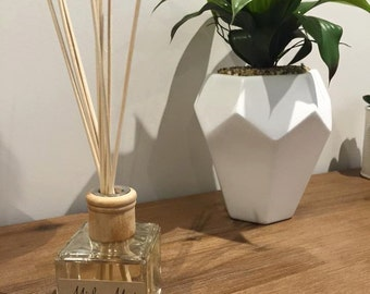 Reed Diffuser (Scents A-B)