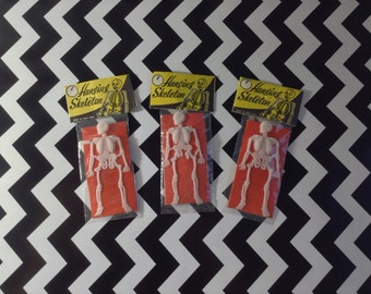 Hang em' High~Vintage Hanging Skeleton~Set of Three~NOS~Plastic~Toy~Halloween Party