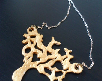 Necklace tree Dorado, custom-made. It have fallen already the leaves? Autumn comes?