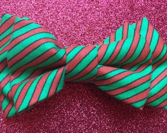 Men's Christmas Bow tie, Red and Green Bow tie, Holiday Bow tie, Red Stripe Bow tie, Green Stripe Bow tie, Christmas Party Bow tie