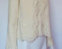 Chanel Paris vintage Cruise cashmere 2 set top blouse jacket cardigan blazer lace in cream size medium