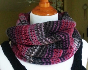 Hand Knit Infinity Scarf. Pink Black Gray Winter Scarf. Circle Scarf. Multicolored Scarf. Gift for her