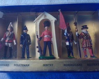 Cavendish Miniatures, London 1958-1970, Set of 5 Figures, Queens Guard Miniature, Collector Figurines, English Collection