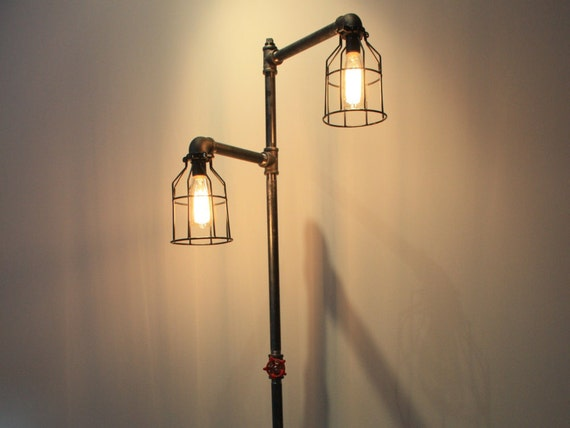 standing pipe lamp black iron pipe edison bulb lamp steampunk. Black Bedroom Furniture Sets. Home Design Ideas