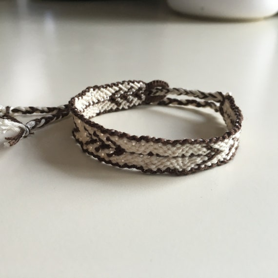 arrow design friendship bracelet by knotyourcolor on etsy