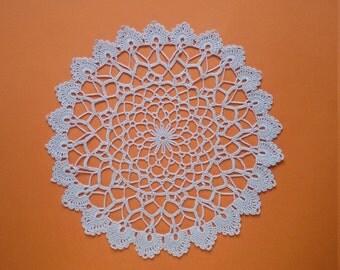 Crochet doily. Lace crochet doily, handmade. Round doily Ecru, 9.05 inches diameter (nine inches). Ready to ship. OOAK