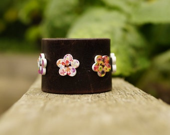 Junior Leather Cuff Bracelet with Patterned Buttons