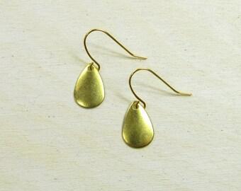 Gold colored boho earrings, drop earrings, dangle earrings, geometric jewelry, brass pendants, dainty delicate simple, handmade