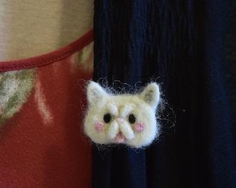 Persian Cat pin, Needle felted Persian Cat brooch pin, Needle felt Cat art, Felted Cat pin, Cat jewelry, Persian art