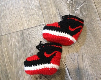 Baby booties, baby sneakers, knitted sneakers, crochet baby shoes