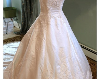 Vintage lace and pearl wedding dress