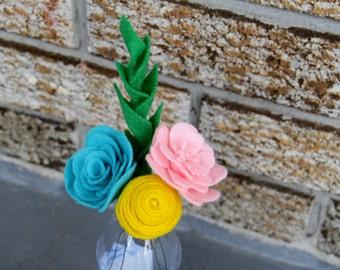 Tri-colour Mini Felt Bouquet