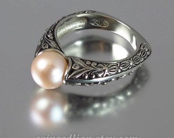 The COUNTESS 14k gold ring with Pink Pearl (sizes 4 to 7)