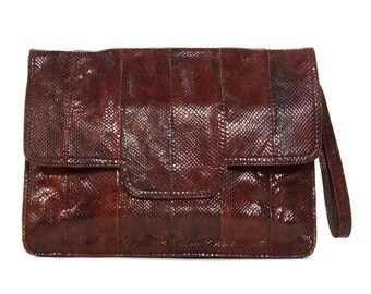 70s Snakeskin Clutch Bag by Thompson & Co. / Vintage 1970s Exotic Leather Handbag / Classic Burgundy Brown Reptile Skin Wristlet Purse