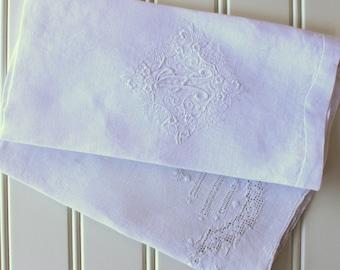 Vintage Towels - Linen - Handwork - Drawn work - White -  Pair of Tea Towels - Monogram A - Cottage Chic