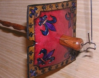 Viking Santa Drop Spindle ( EDS 0861) Leather whorle
