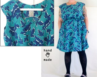 RiotLady Dress -- teal blue leaf print, vintage rayon -- plus size, size 24W, 26, 22, 3X, xxxl -- pockets -- 55B-48W-66H