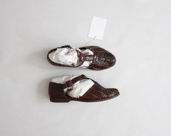 woven leather t straps | size 7.5 t straps | leather t strap flats